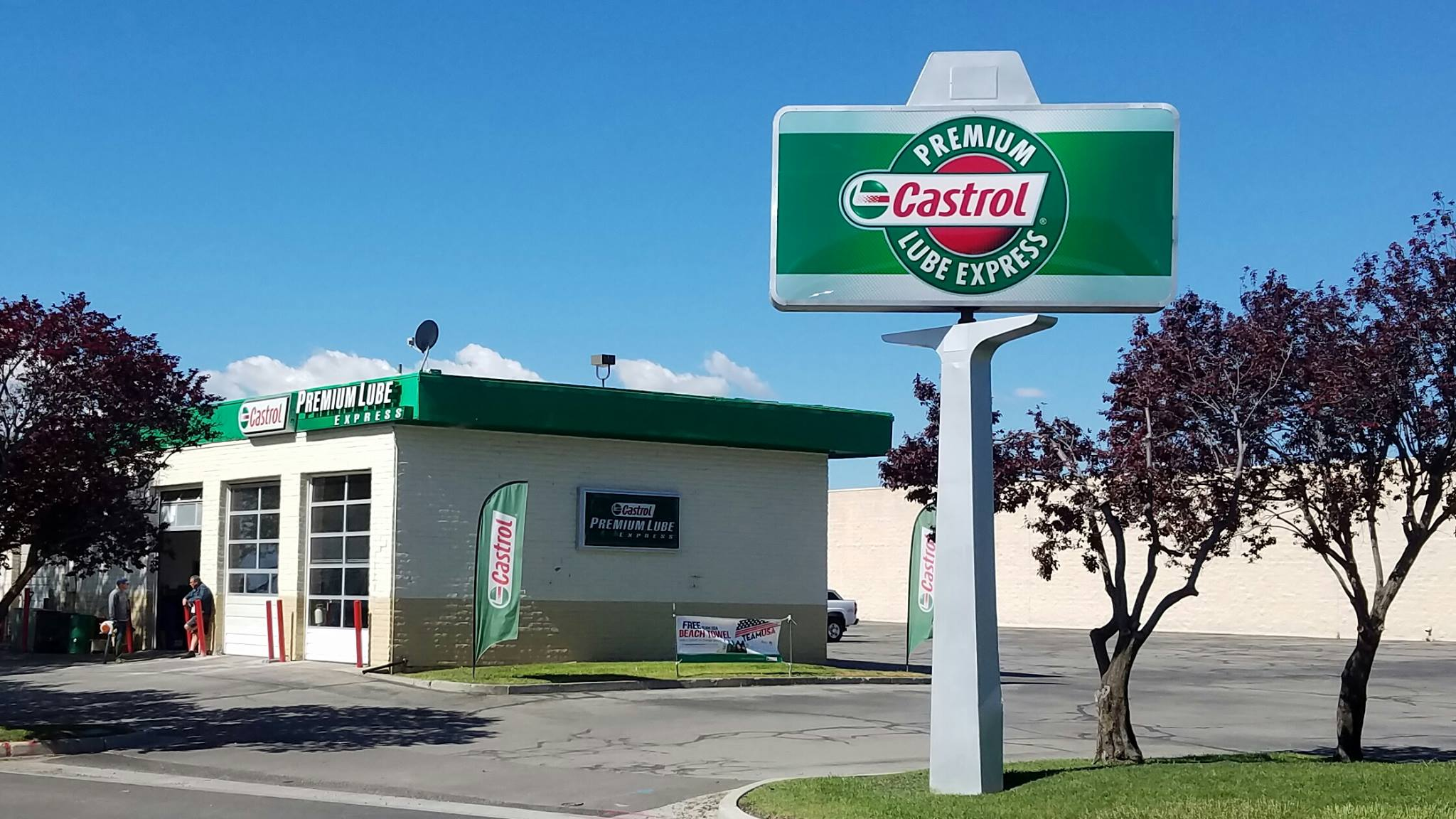 Castrol Oil Change >> Castrol Premium Lube Express Oil Change And Services Grease N Go